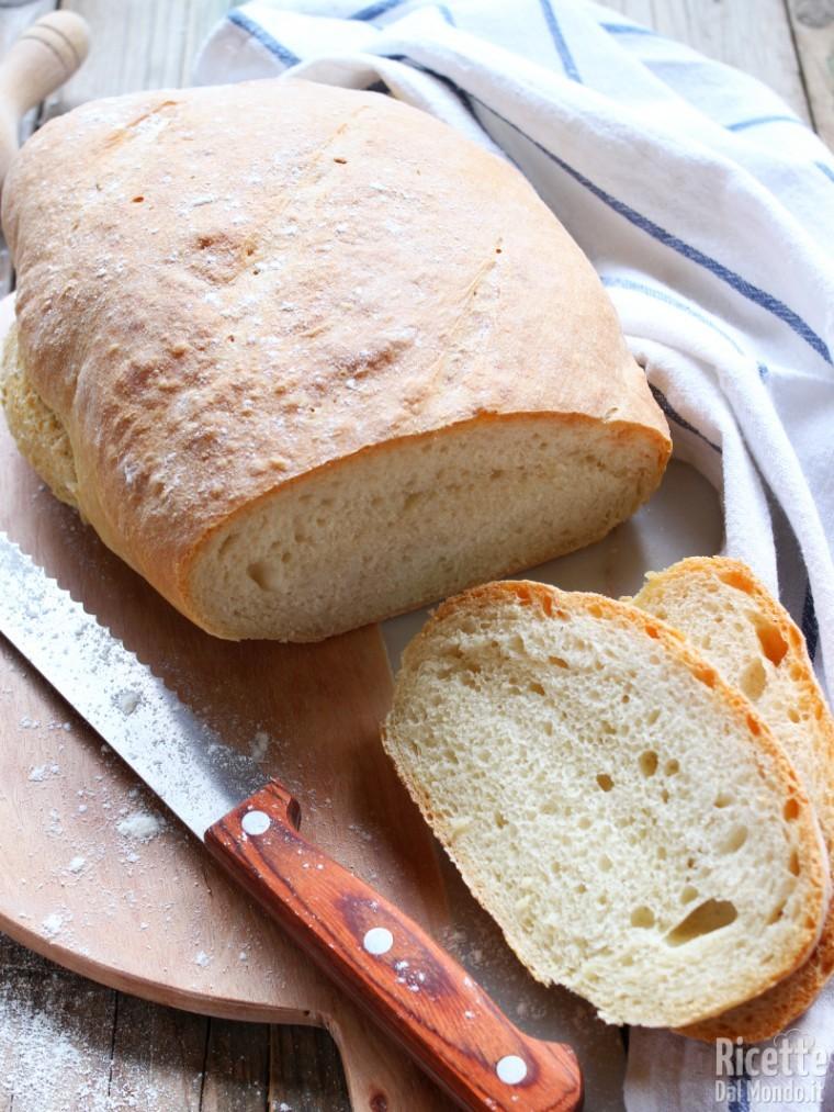 Pane toscano senza sale fatto in casa