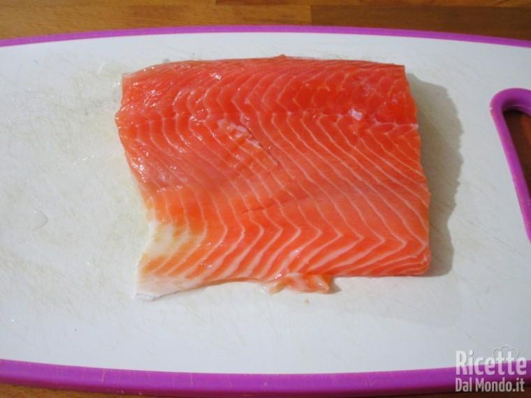 Abbattere il filetto di salmone
