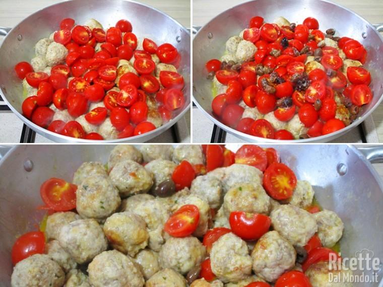 Aggiungere i pomodori e completare la cottura