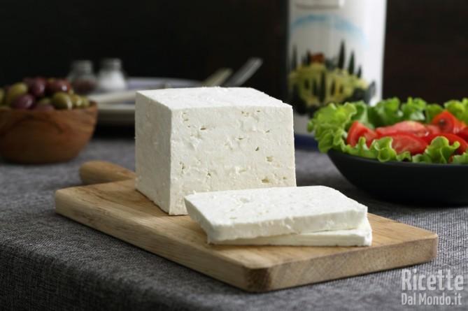 10 alimenti ricchi di sale feta