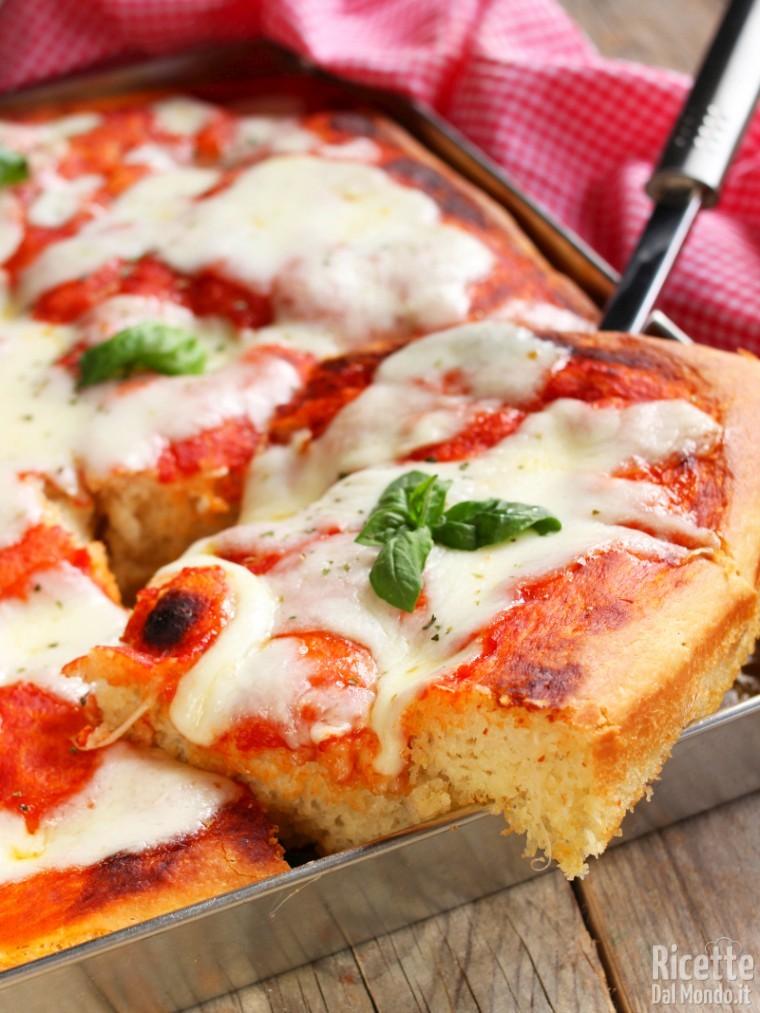 Come fare la pizza morbida senza impasto