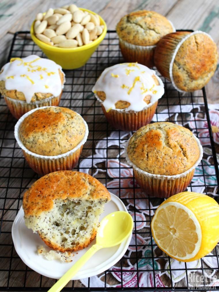 Soffici muffin limone e semi di papavero