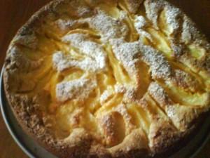 Ricetta Torta di Mele Aromatizzata all'Arancia e alla Sambuca