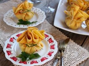 Ricetta Sacchettini di gamberetti con crema al mascarpone