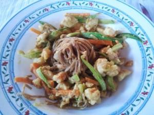 Ricetta Pollo e Gamberetti al Curry con Noodles