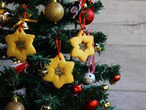Ricetta Biscotti di vetro da appendere all'albero