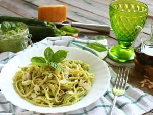 Ricetta Trenette al pesto di zucchine