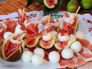 Ricetta Barchette e rose di prosciutto e fichi