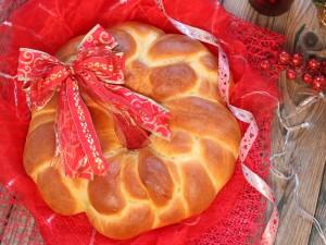 Ricetta Ghirlanda di pane morbido di Natale