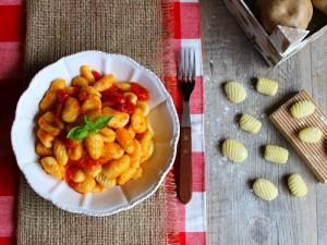 Ricetta Gnocchi di patate al sugo