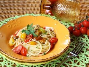 Ricetta Spaghetti di quinoa con pomodorini e tonno