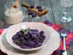 Ricetta Gnocchi di patate viola con burro e salvia