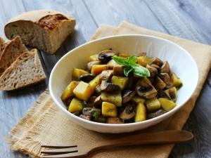 Ricetta Funghi e patate in padella