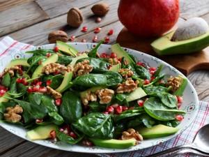 Ricetta Insalata di spinacini con avocado e melagrana