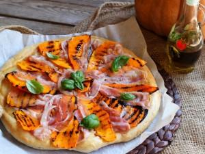 Ricetta Pizza zucca e pancetta