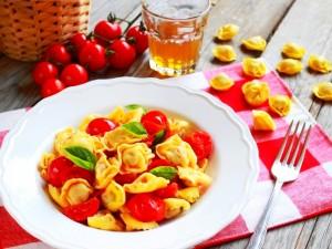 Ricetta Tortellini al pomodoro