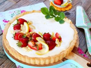 Ricetta Crostata con crema al limone e fragole