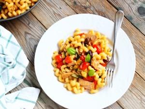 Ricetta Pasta con tonno, zucchine e pomodorini