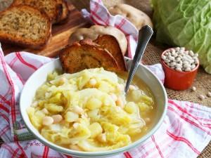 Ricetta Zuppa di verza, fagioli e patate