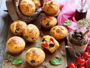 Ricetta Muffin con olive e pomodorini