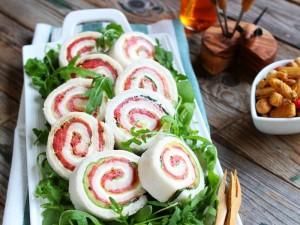 Ricetta Girelle tramezzino con zucchine e salmone