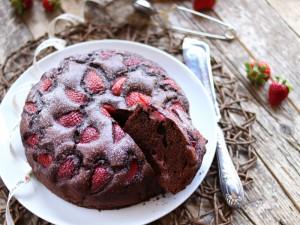 Ricetta Torta fragole e cioccolato